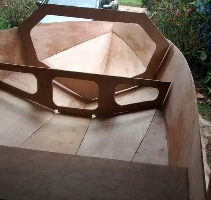 Boat building – first Tewantin taking shape
